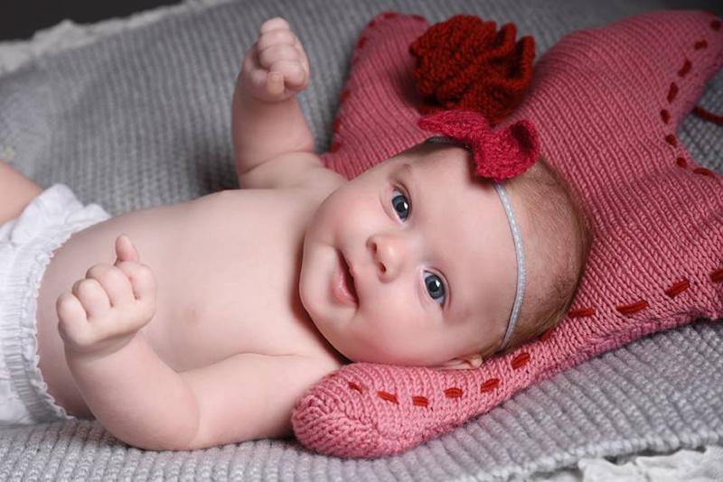 coussin-étoile-laine-rose-et-bandeau